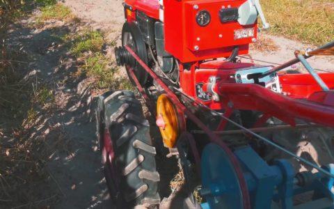 Сегментные приводные ремни A.BELTER МОТО на мотоблоке ЗАРЯ, оснащенном картофелекопалкой.